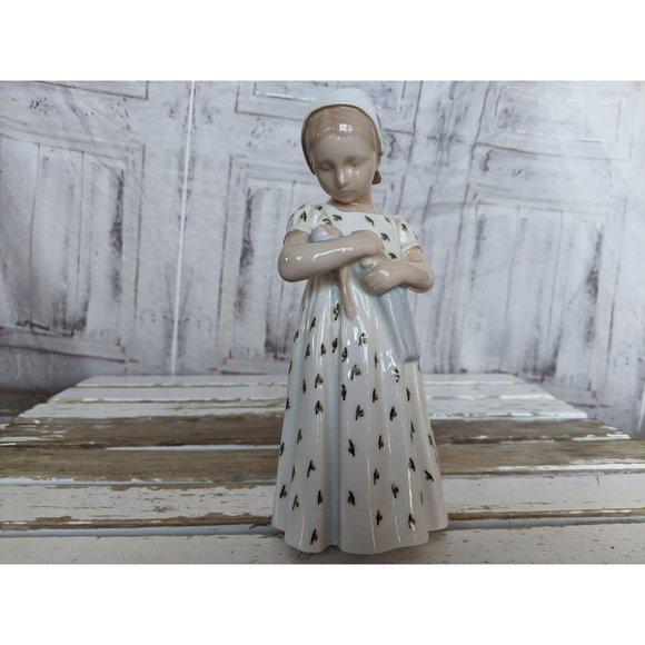 B&g 1721 girl doll